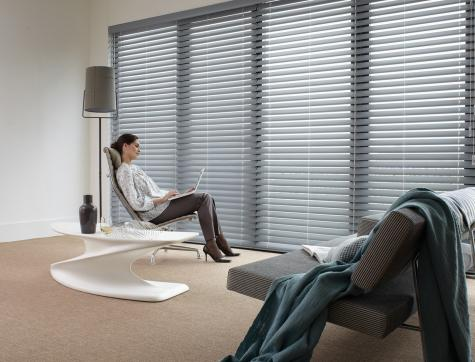 Persianas para sala de estar- Country Woods HunterDouglas